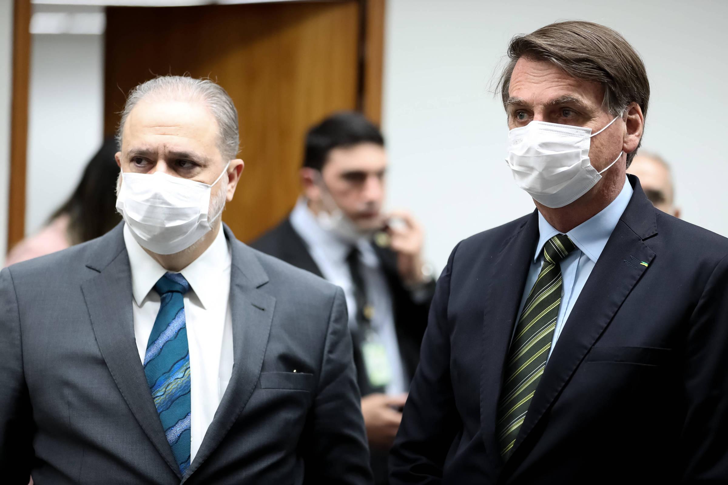 Visita surpresa de Bolsonaro a Aras é vista no Supremo Tribunal como novo ato de pressão do presidente - 25/05/2020 - Poder