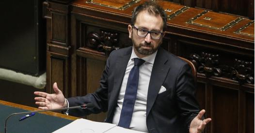 Sfiducia a Bonafede, Renzi lo tiene sulle spine. E Boschi vede Conte