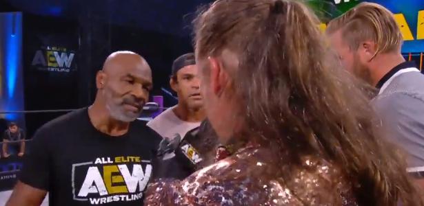 Tyson e Vitor Belfort 'causam confusão no evento de telecatch americano; ver - 28.05.2020