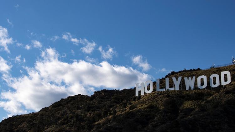 Hollywood pode se livrar de scripts em papel para continuar após a pandemia