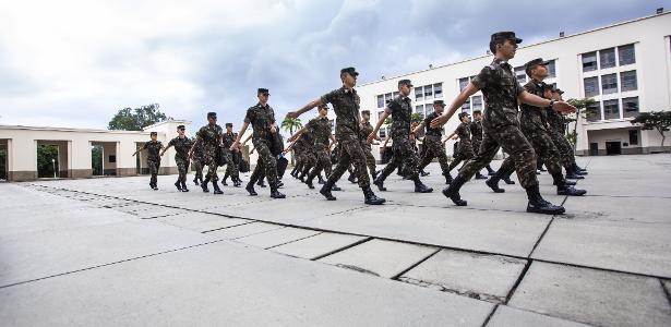 O governo bolsonar começa a se despedir do coronel Thaís Oyama