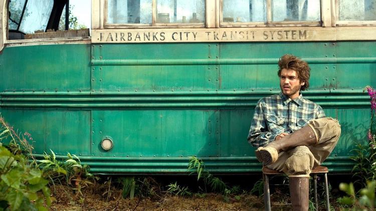 """O ônibus do filme """"In the Wild"""" foi retirado do Parque Nacional do Alasca"""