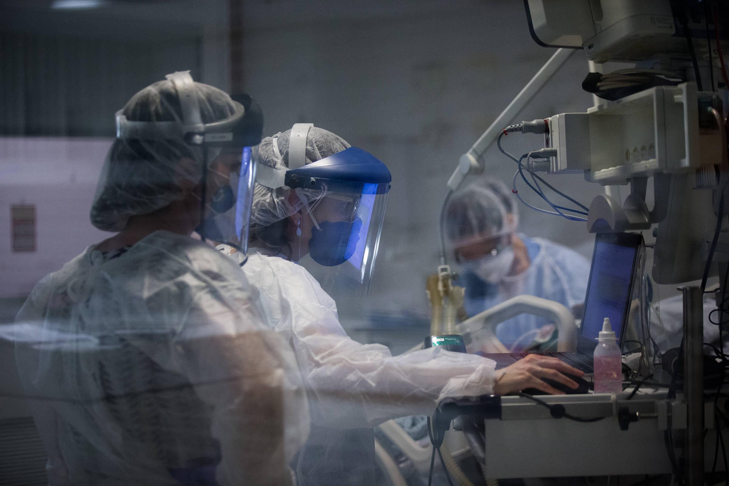 Com pacientes afastados da UTI rural, epidemia deve matar mais - 07/06/2020 - Equilíbrio e saúde
