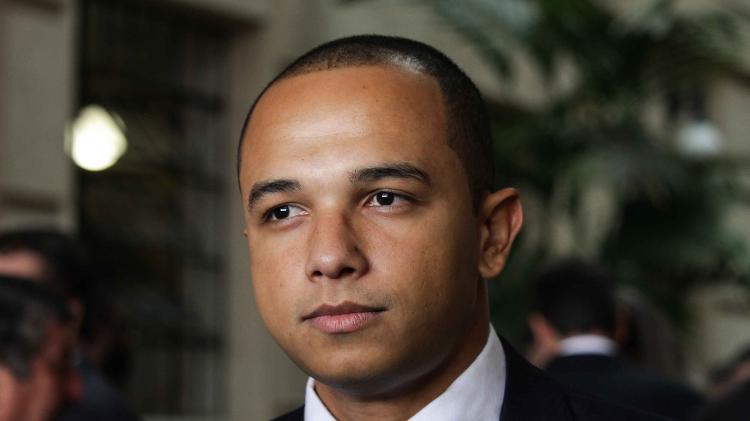 Justiça condena Douglas Garcia a pagar US $ 20.000 por ano em danos por dossiê antifascista