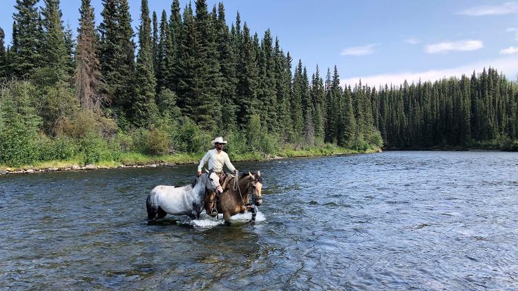 Knight of America - Crossing the River into Yukon Territory, Northwest Canada - Arquivo pessoal - Arquivo pessoal