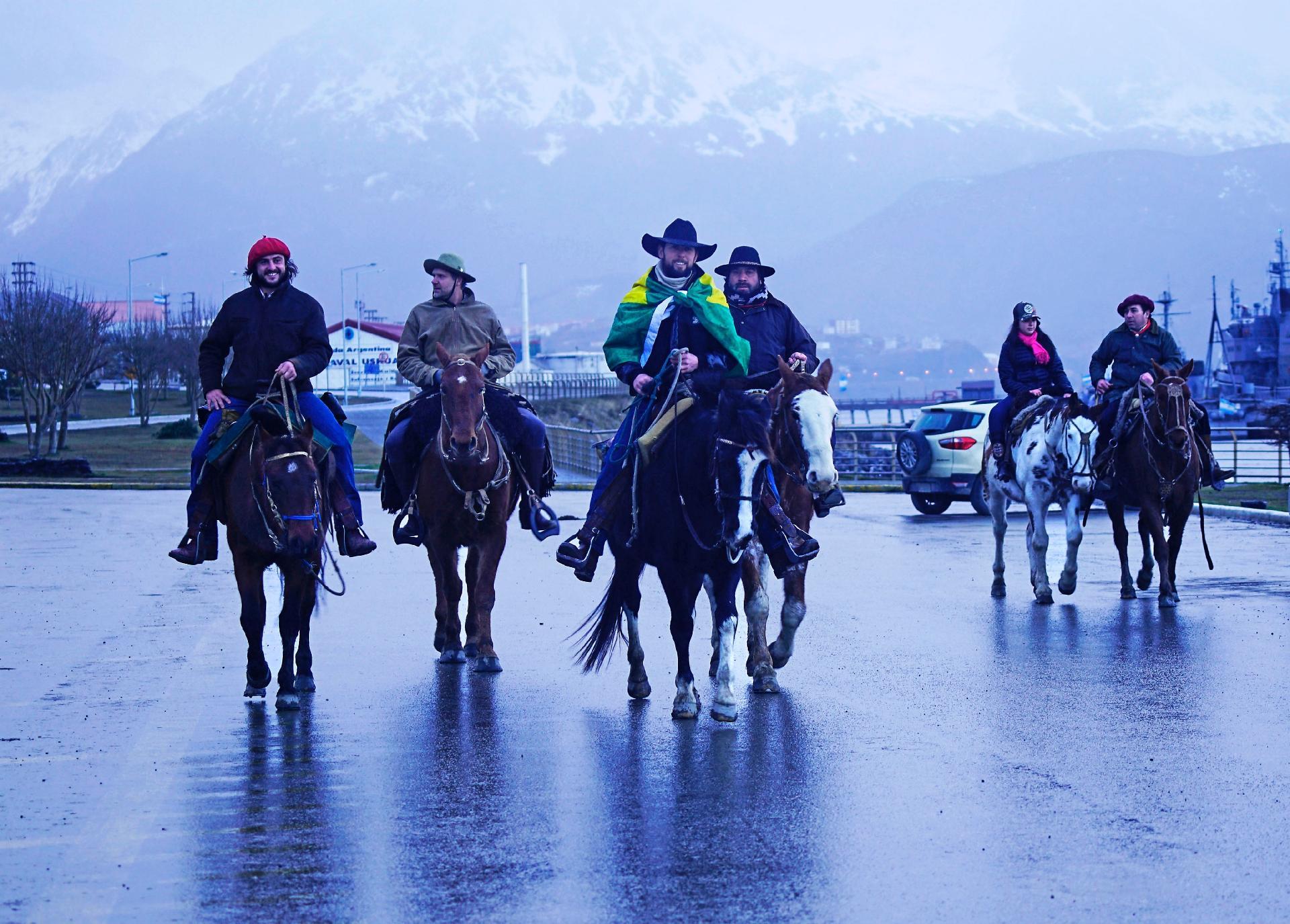 Filipe vindo para Ushuaia, no arquipélago da Terra do Fogo, Argentina - Arquivo pessoal