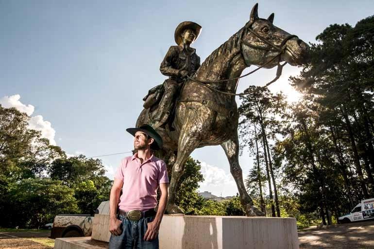 Estátua em Londrina - Arquivo pessoal